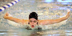 swimmer-1477650_1920
